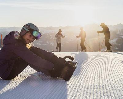 woman snowboarding in laax ski area