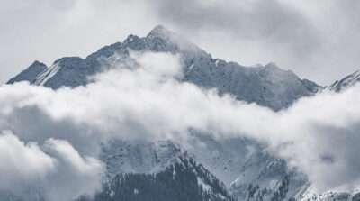 Schneebedeckte Berge in Laax