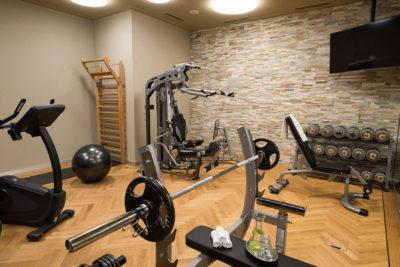Fitness in Laax Flims im Peaks Place mit Fitnessgeräten