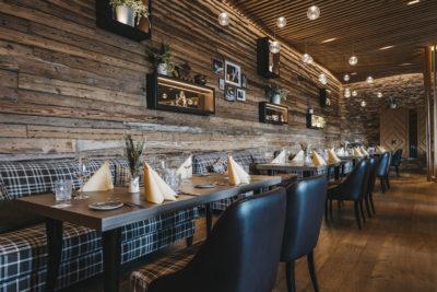 Inneneinrichtung im Restaurant snani Laax Peaks Place Hotel