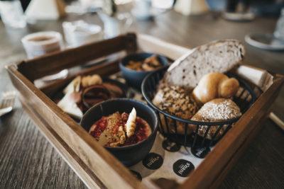 Frühstück im Restaurant snani in Laax im Peaks Place